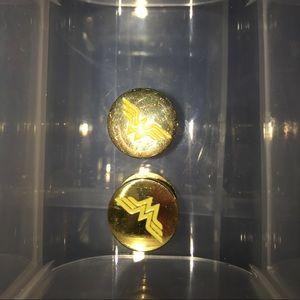 Wonder Woman 24k gold plated 00 gauges